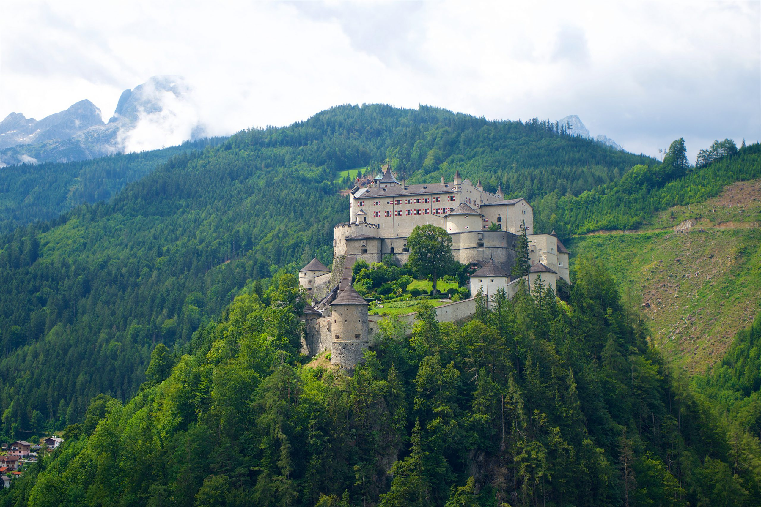 bei der Radtour Salzburg erkunden und die Festung Hohenwerfen besuchen