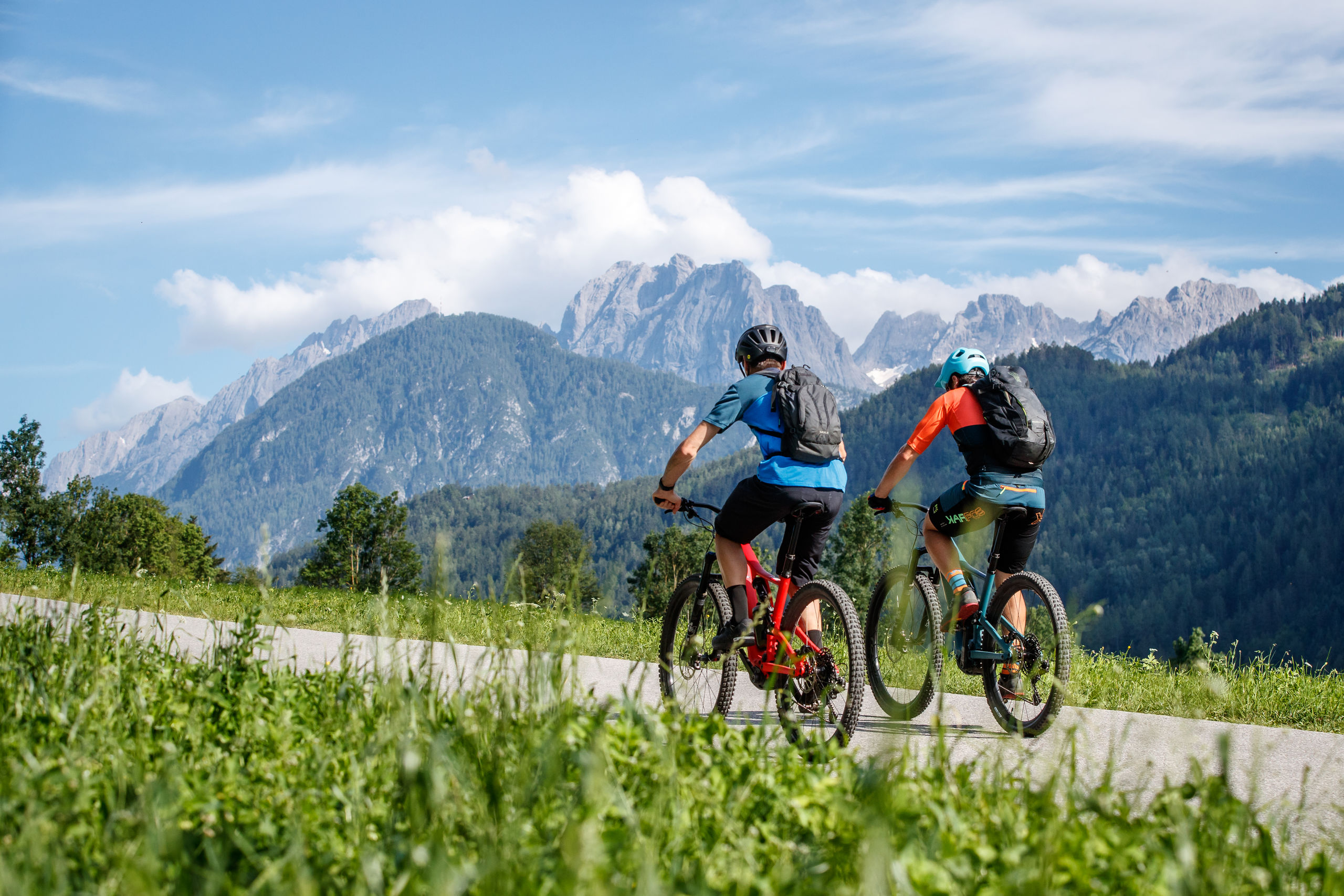 Begleitet vom Panorama der Dolomiten nach Lienz radeln