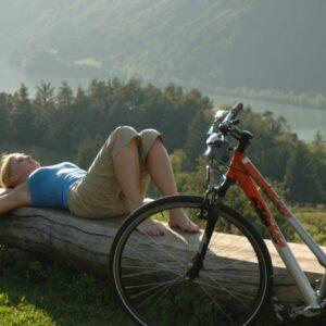 nach einer Radtour eine genussvolle Pause gönnen und die Kärntner Landschaft genießen