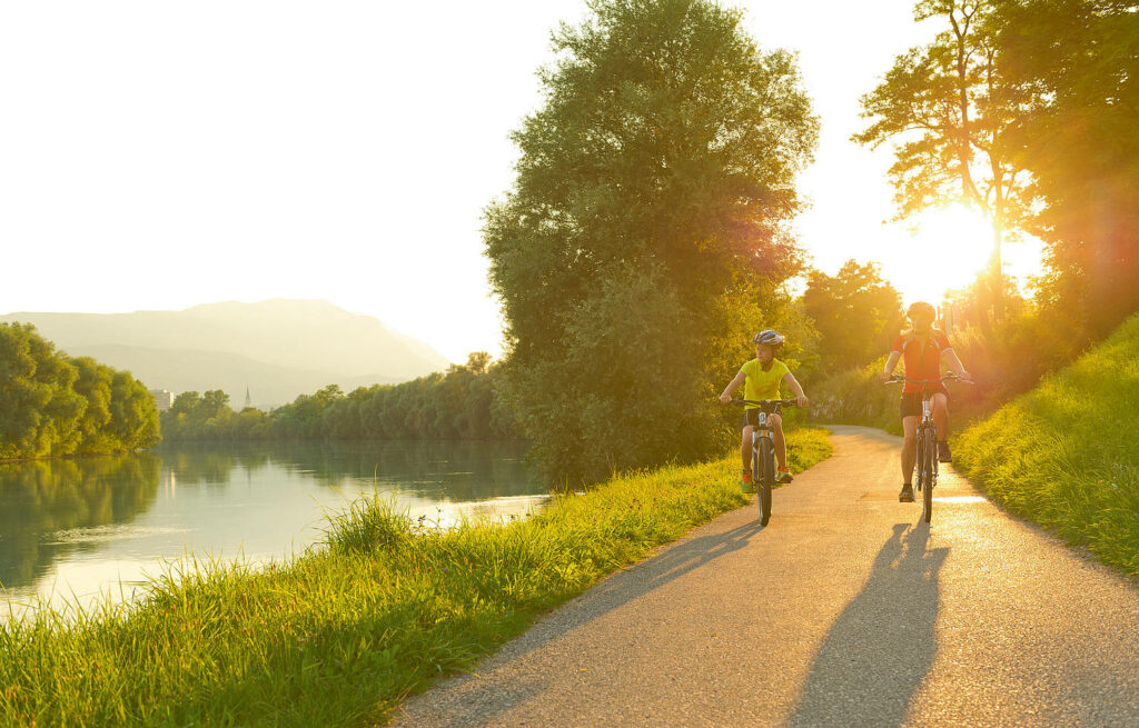There are wonderful natural treasures and interesting sights in the immediate vicinity of the Drau cycle path