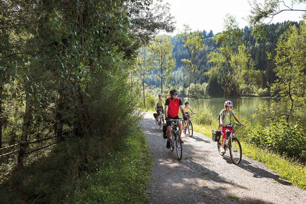 Explore the Drau cycle path with your family - an eventful holiday
