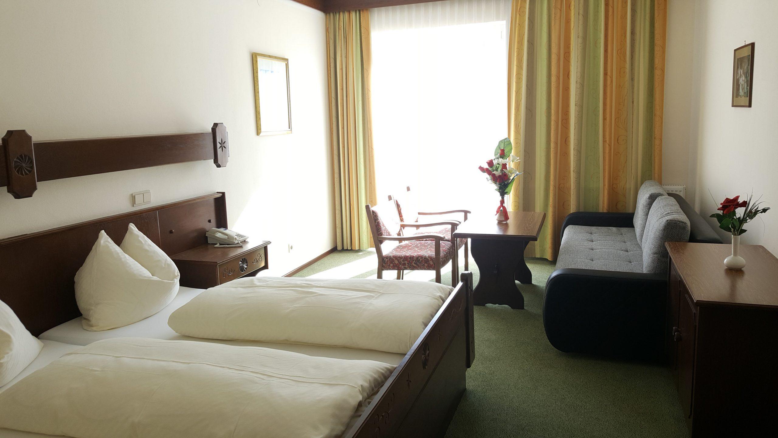 4 bed balcony 3
