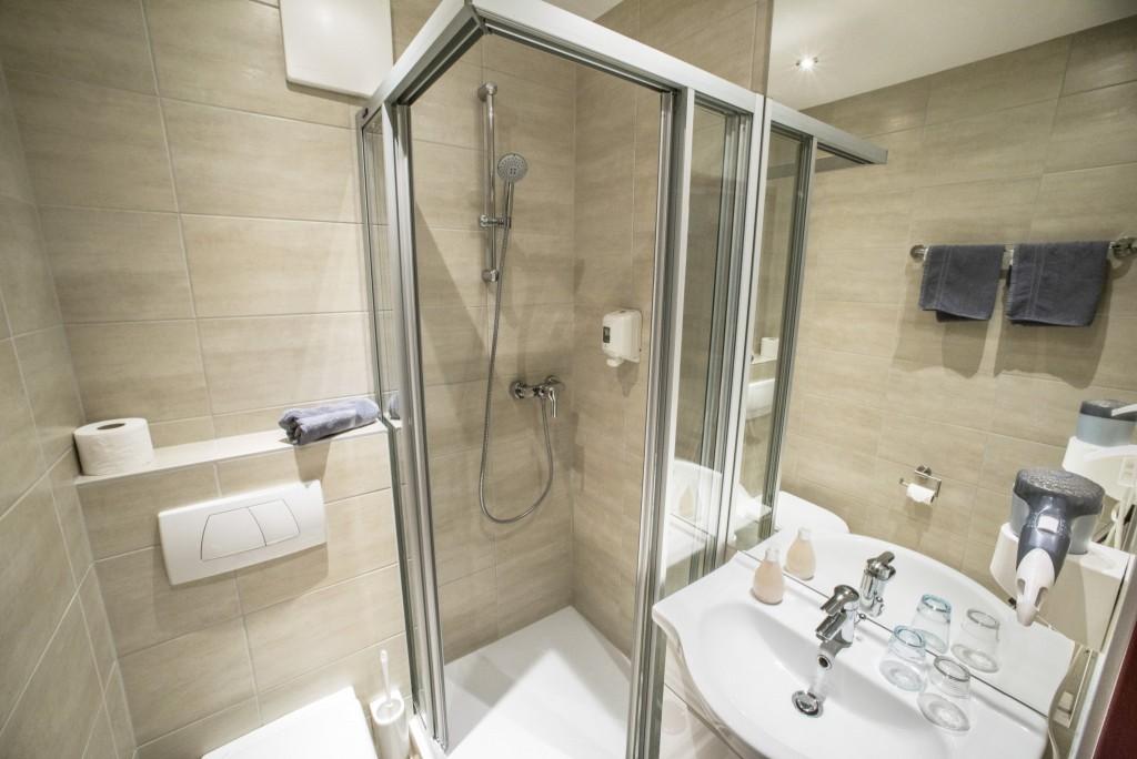 Basic bathroom